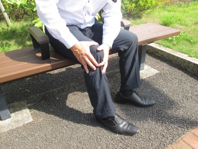 膝の痛み(男性)画像